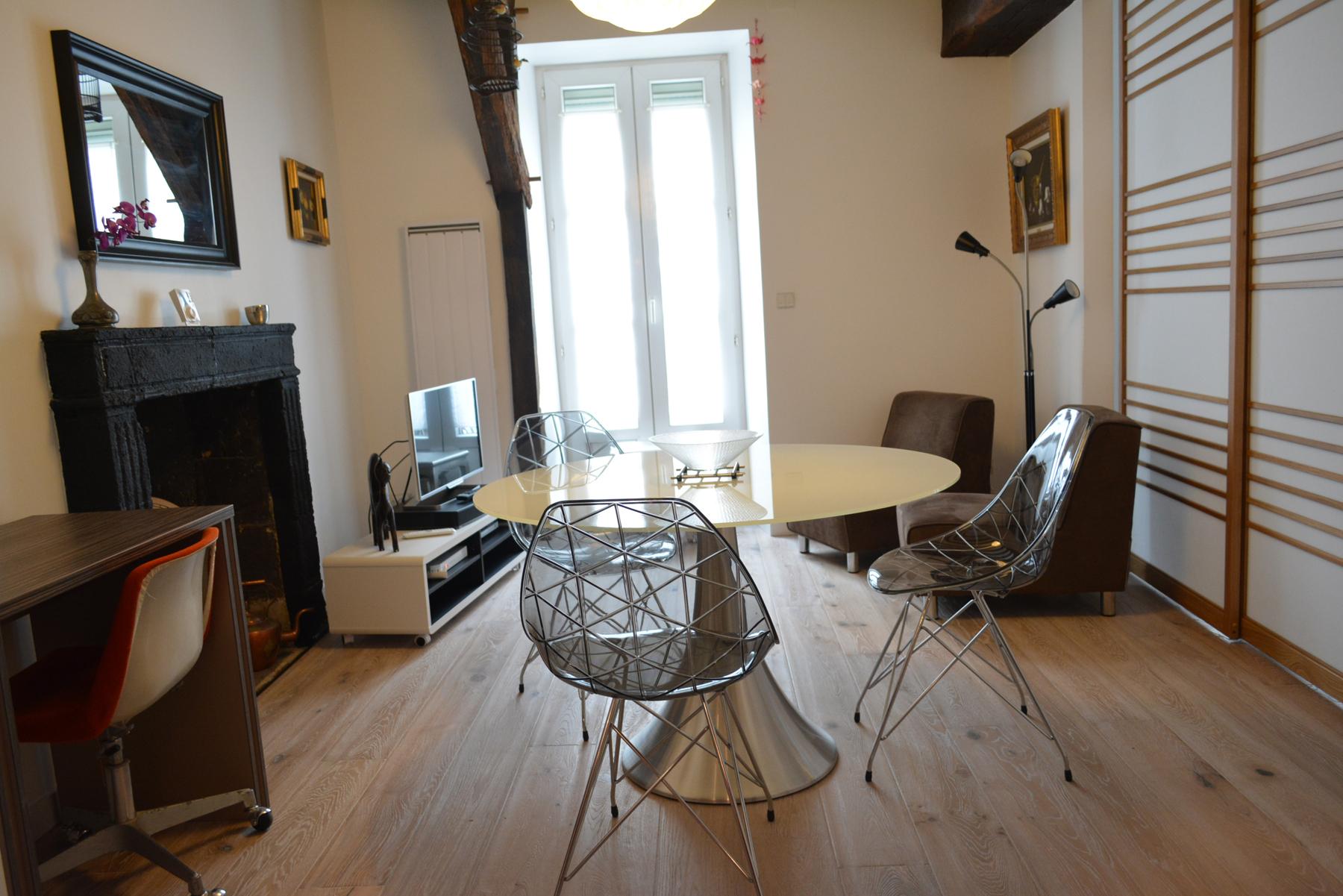 location maison ou appartement. Black Bedroom Furniture Sets. Home Design Ideas