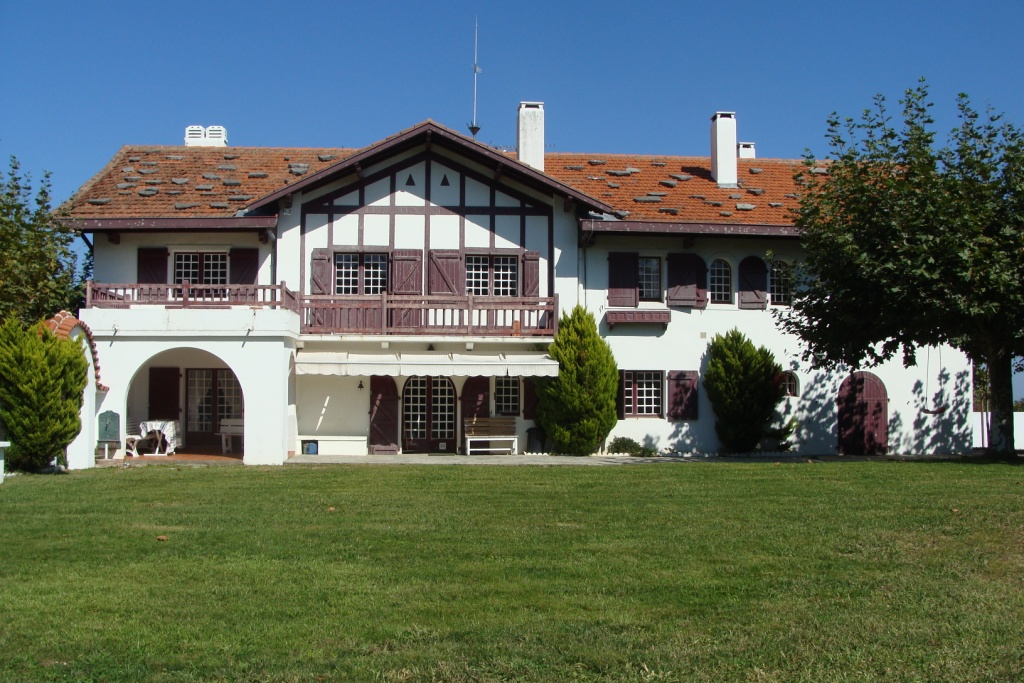 acheter maison pays basque espagne ventana blog. Black Bedroom Furniture Sets. Home Design Ideas